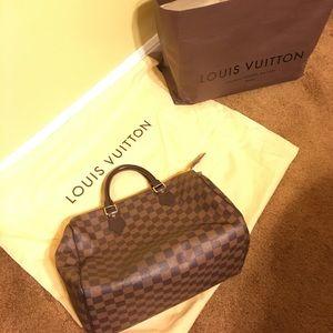 Louis Vuitton Handbags - Authentic Louis Vuitton speedy purse