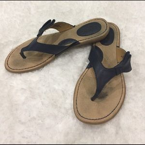 b.o.c. Shoes - 🌺🌺 BOC Navy comfy flip flops with stylish bow🎀