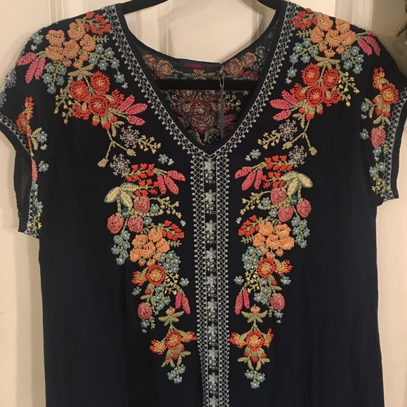 954ecbe9a3c3 JOHNNY WAS EMBROIDERED TUNIC XS