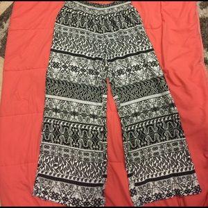 Decree Hippie flowy pants Size: XL