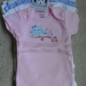 Gerber Other - 5 short sleeve onesies. 3-6 months NWT!