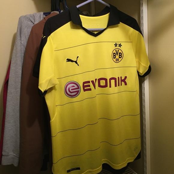 new product ad2bd 827e3 Borussia Dortmund Jersey // #15 Mats Hummels