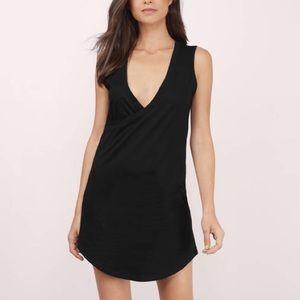 Tobi Dresses & Skirts - Tobi  WAIKIKI BLACK SHIFT DRESS