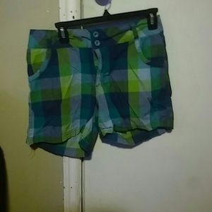 Pants - Adorable 100% cotton plaid shorts