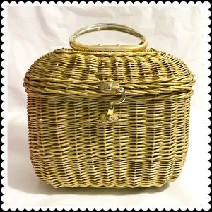 Koret Handbags - 🆕Vintage gold wicker basket
