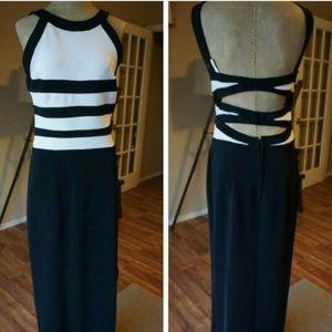 Betsy & Adam Dresses & Skirts - Black & white crossback formal Betsy & Adam dress