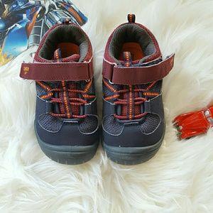 Osh Kosh Other - Sporty Osh Kosh toddler boys sz 10 sneakers