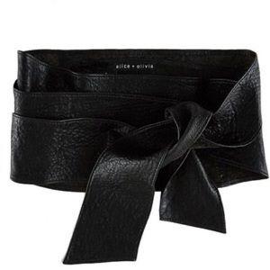 "ALICE + OLIVIA ""Barrington"" Leather Wrap Belt (M)"