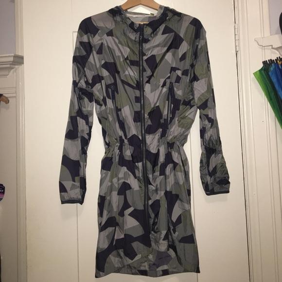 Theory Jackets & Blazers - Theory 38 lightweight running jacket w hood