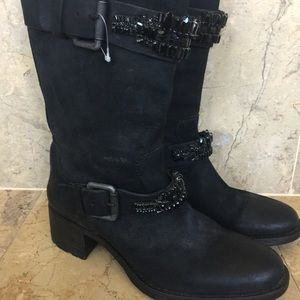 Vera Wang  Shoes - Vera Wang Black Beaded Pull On Boots