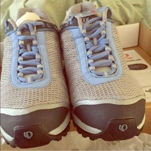 Pearl Izumi Shoes - Pearl Izumi iQ Spin Shoes Size 9 New in Box