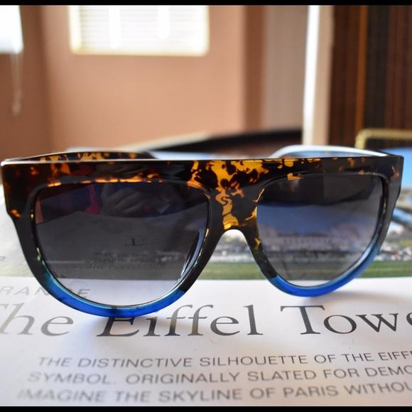 2faa6b58ec2 🆑Celine style sunglasses