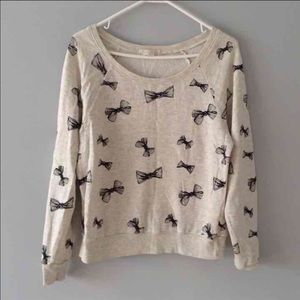Forever 21 Sweaters - 🎀Bow Long Sleeve Sweater🎀