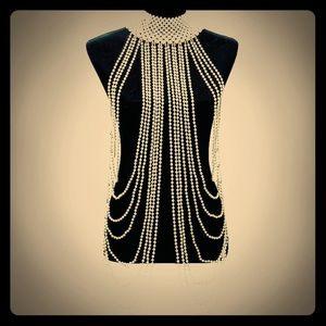 Jewelry - Amazing Faux Pearl Drape Necklace! 🙌🏻