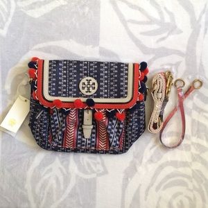 Tory Burch Handbags - Tory Burch Scout Pom Pom crossbody bag