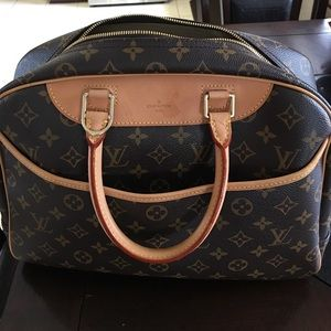 LV cosmetic carry on bag