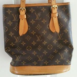Louis Vuitton Handbags - Authentic Louis Vuitton Monogram bag.