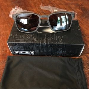 c8c3eaa7be Oakley Accessories - Oakley Latch sq Woodgrain polarized