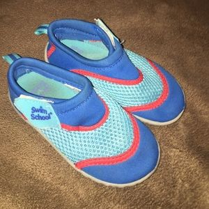 Swim School Other - 💕toddler water shoes💕