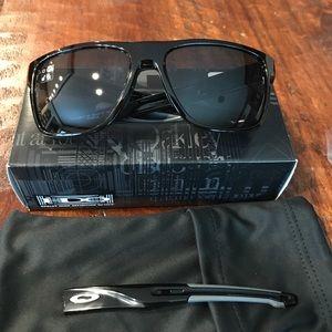 Oakley Other - Oakley Crossrange XL sunglasses