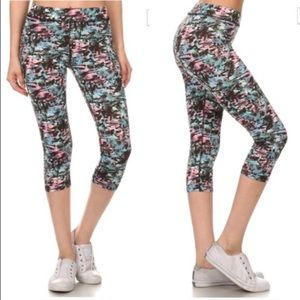 CHICBOMB Pants - CLEARANCE. Top active yoga workout sport capri