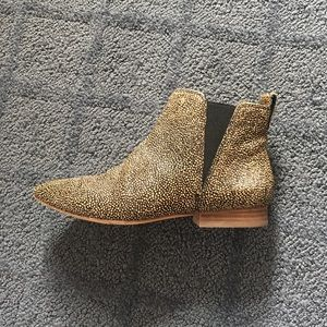 Calf hair Chelsea boots, Madewell! Size 7!
