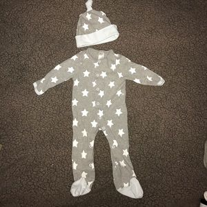 Baby Aspen Other - Baby Aspen Star Onesie and Hat - Size 0-6 months