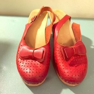 Swedish Hasbeens Shoes - Swedish Hasbeens clogs from Anthropologie
