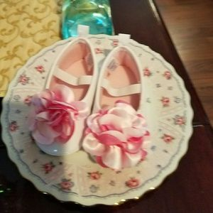 Gerber Other - NWOT BABY Easter Shoes!