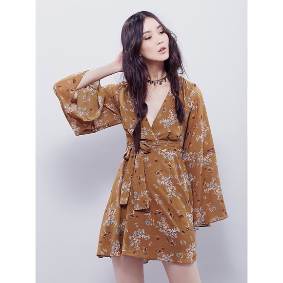 Free People Dresses & Skirts - 🦄HP🦄 NWT Free People Lilou Floral Mini in Toffee