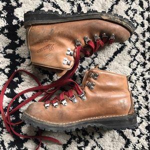 Danner Shoes - Danner Mountain Light hiking boots cascade