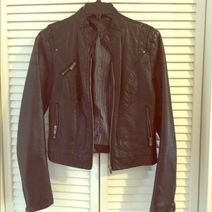 Lightly worn leather jacket - Zara Size M