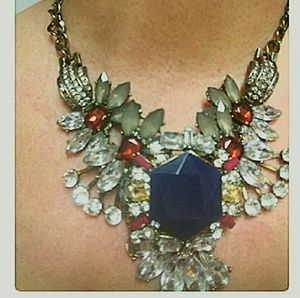 Saks Fifth Avenue Jewelry - Saks Fifth Avenue Statement Necklace Blue