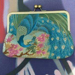 Peacock clutch like new