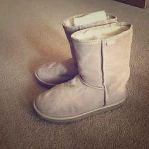 Emu Shoes - Authentic EMU Suede and Wool Boots