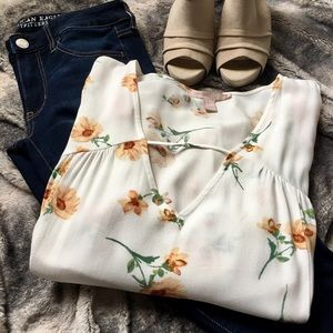 Forever 21 Tops - Forever 21 Floral Top