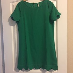 Green scalloped polyester dress