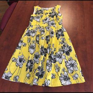 Robbie Bee Dresses & Skirts - Robbie Bee 👗 dress is gorgeous