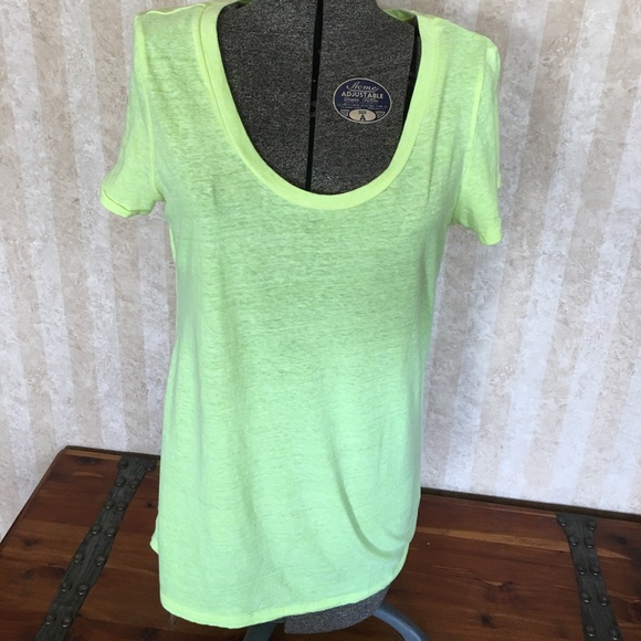 American Eagle Outfitters Tops - American Eagle Outfitters yellow short sleeve tee.