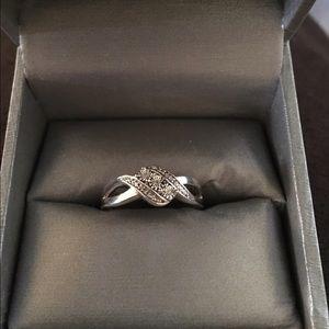 Zales Jewelry - Zales new 3 stone diamond sterling silver ring 💍