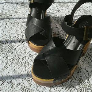 Wild Diva Shoes - WILD DIVA Black chunky heel sandals