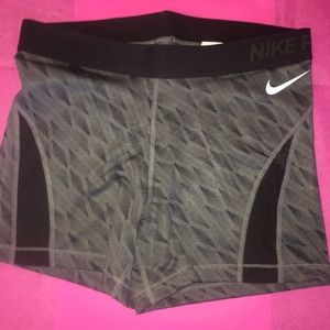 Nike Pants - 🌺$22 OFF RWTAIL THIS WEEKEND ONLY 🌺🌺NWT NIKE🌺