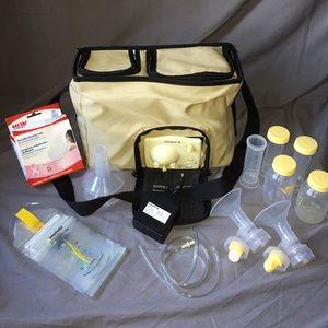 Medela Handbags - 🎈SALE🎈Medela Advanced Double Breastpump