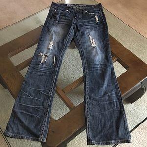 YMI Denim - YMI destroyed jeans boot stretch embroidered
