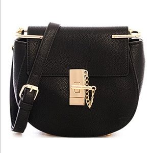GlamVault Handbags - Black Pebble Vegan Leather Saddle Bag Goldtone