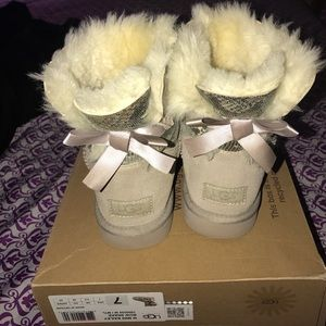 UGG Shoes - Authentic woman uggs