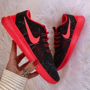 Nike Shoes - NWT Nike ID free RN 💃🏻