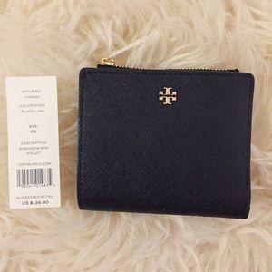 Tory Burch Handbags - 🆕 Tory Burch Robinson Mini Wallet