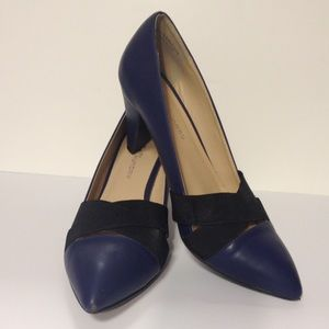 CL by Laundry blue heels size 9 1/2