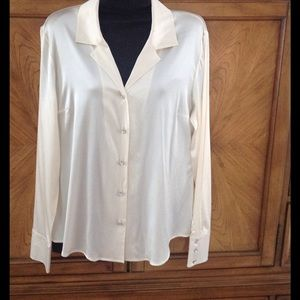 Lilly Pulitzer Tops - Lilly Pulitzer silk blouse Size 12
